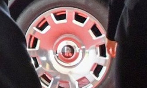 Biểu tượng Rolls-Royce trên vành xe lãnh đạo Triều Tiên sử dụng. Ảnh: Twitter.