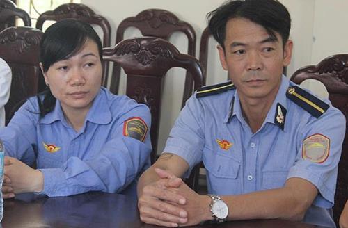 Hai nhân viên gác chắc Trần Thị Nhã và Thái Văn Thành. Ảnh: PV