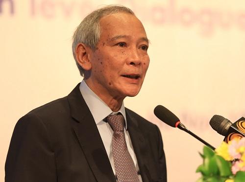 Giáo sư Trần Thục đại diện cho Việt Nam đọc báo cáo về biến đổi khí hậu. Ảnh: Gia Chính