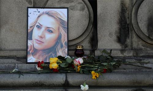 Góc tưởng niệm nữ nhà báo Viktoria Marinova tạithị trấn Ruse, Bulgaria. Ảnh: Reuters