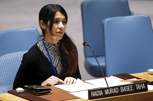 Nadia Murad phát biểu tại cuộc họp của Hội đồng Bảo an Liên Hợp Quốc ở New York, Mỹ tháng 12/2015. Ảnh: Reuters.