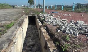 Bờ kè trăm tỷ tại Kon Tum bị đập phá, lấy sắt bán phế liệu