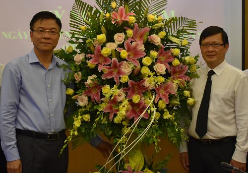 Bộ trưởng Tư pháp Lê Thành Long (bên trái ảnh) và ông Mai Lương Khôi tháng 7/2018.