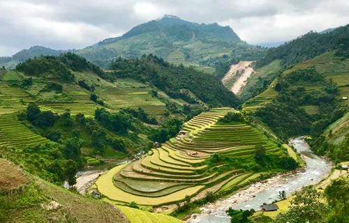 Mù Cang Chải (Yên Bái)nhiệt độ sáng 11/10 là 16 độ C. Ảnh: Nhật Quang