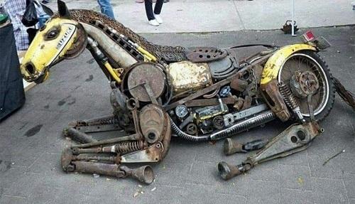 Ngựa sắt phiên bản giải phẫu học.