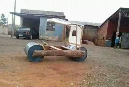 Tiền mua xe hơi không có nhưng trí tuệ có thừa.
