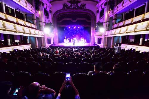 Nhiều nhà hát ở Hà Nội hoạt động cầm chừng - ảnh 1