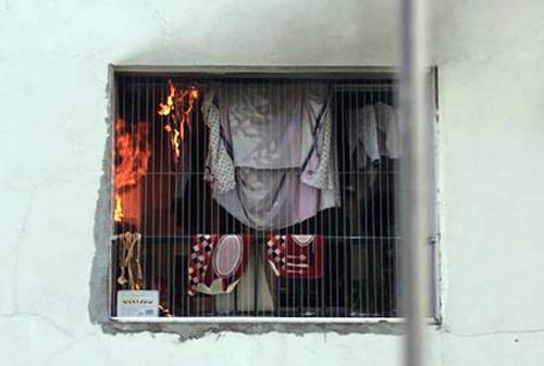 Cháy căn hộ thuộc tổ hợp chung cư đông nhất thủ đô - ảnh 1