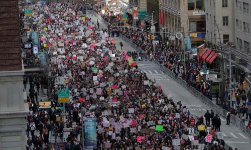 Dòng người tham gia sự kiện Tuần hành vì Phụ nữ hồi tháng 1 tại Manhattan, New York, Mỹ. Ảnh: Reuters.