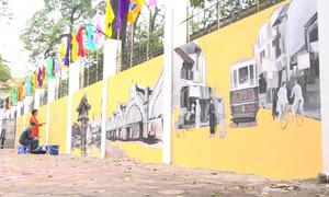 Bích họa tái hiện Hà Nội xưa trên phố Phan Đình Phùng