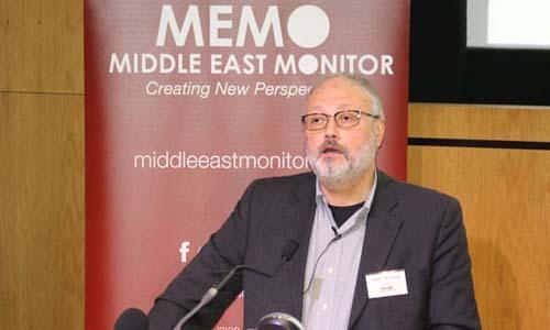 Nhà báo Jamal Khashoggi phát biểu tại London, Anh hôm 29/9. Ảnh: Reuters.