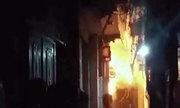 Bé 6 tuổi ở Hà Nội tử vong do bố dượng tẩm xăng đốt nhà