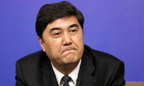 Nỗ Nhĩ Bạch Khắc Lực, cựu cục trưởng Cục Năng lượng Quốc gia (NEA), trong một buổi họp báo tại Bắc Kinh năm 2010. Ảnh: Reuters.