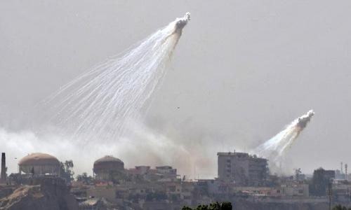 Bom phốt pho trắng được liên quân Mỹ dùng tại Iraq hồi năm 2017. Ảnh: AFP.