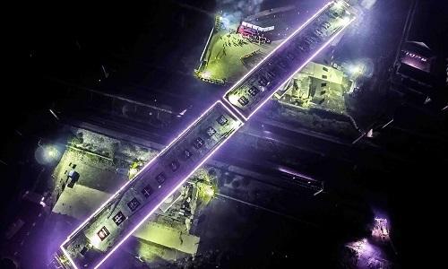 Kỹ sư Trung Quốc xoay hai dầm cầu nặng 7.000 tấn