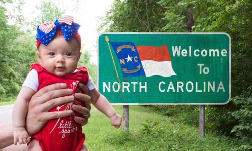 Bé Harper khi dừng chân tại Bắc Carolina. Ảnh: CNN.