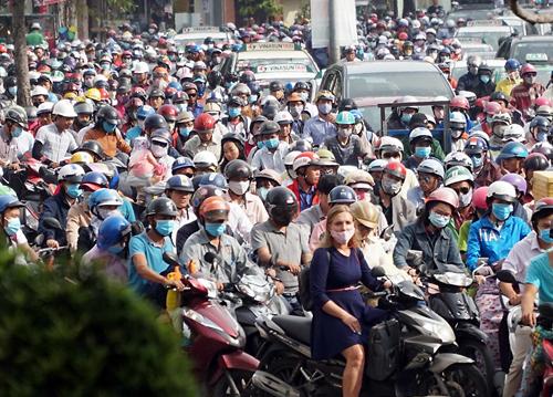 Sự cố gây kẹt xe nghiêm trọng ở nhiều quận trung tâm Sài Gòn. Ảnh: Quế Biên.