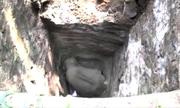 Giải cứu voi châu Á dưới giếng sâu 8 mét ở Sri Lanka