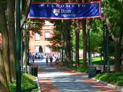 Bằng Thạc sĩ ngành Khoa học Máy tính và Công nghệ Thông tin trực tuyến được cấp bằngnhư hệ học tại trường.