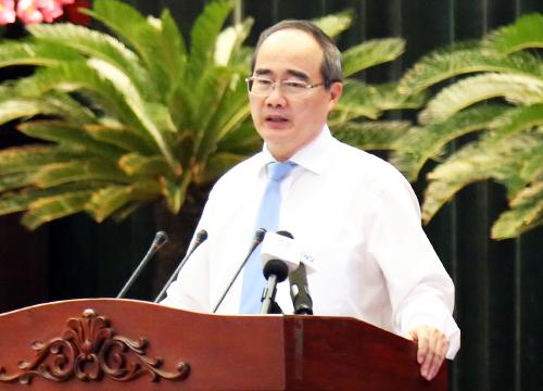 Bí thư Thành ủy TP HCM Nguyễn Thiện Nhân phát biểu bế mạc Hội nghị Thành ủy lần thứ 18 khóa X. Ảnh: Thiên Ngôn