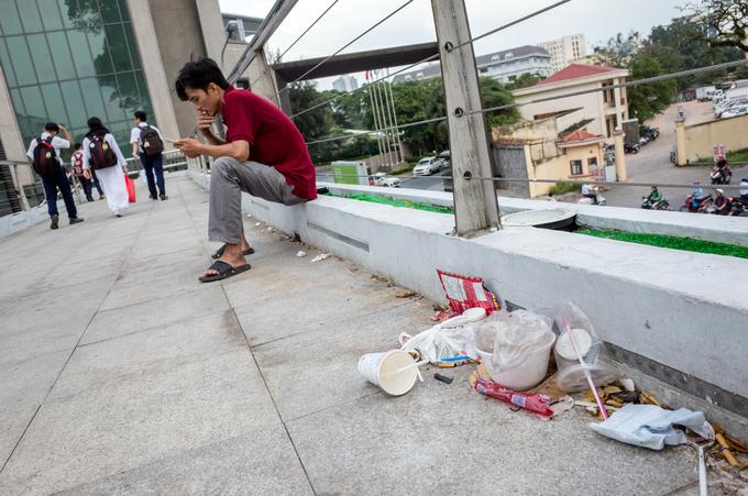7 cầu bộ hành ở TP HCM được 'khoác áo mới'