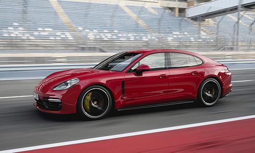 Porsche Panamera GTS 2019 - xế sang thêm sức mạnh