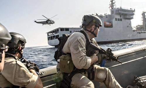 Hải quân Mỹ và Ấn Độ trong cuộc tập trận Malabar ở vịnh Bengal. Ảnh: Zuma Press.