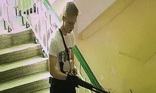 Nghi phạm xả súng trường học Crimea là nam sinh 18 tuổi