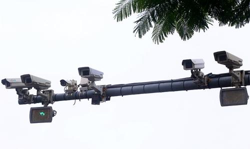 Camera dày đặc ở các nút giao thông tại thủ đô