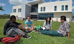Giấc mơ miễn phí đại học chưa thành của Mỹ