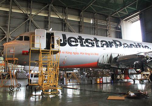 Máy bay được bảo dưỡng, sửa chữa tại mộtdoanh nghiệpbảo dưỡng ở Nội Bài. Ảnh: Đoàn Loan