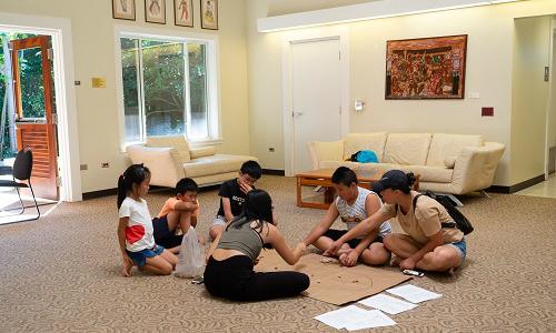 Sinh viên Việt Nam tổ chức trò chơi dân gian ở Hawaii