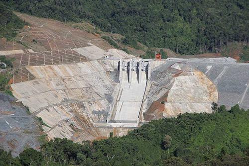 Nhà máy thủy điện Sông Bung 2 được xây dựng trên thượng sông Bung(huyện Nam Giang, Quảng Nam). Ảnh: Đắc Thành.