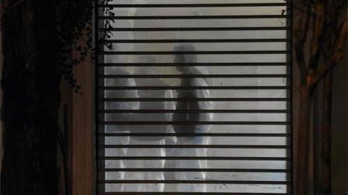 Cảnh sát Thổ Nhĩ Kỳ khám xét nhà riêng của Tổng lãnh sự Arab Mohammed al-Otaibi tại Istanbul hôm 17/10. Ảnh: AFP.
