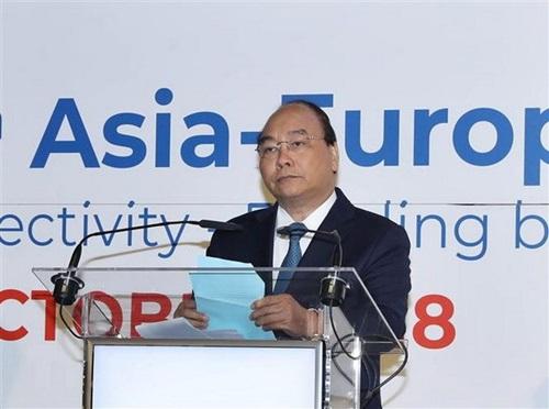 Thủ tướng Nguyễn Xuân Phúc phát biểu tạiDiễn đàn Doanh nghiệp Á  Âu (AEBF) lần thứ 16 hôm nay. Ảnh: TTXVN.