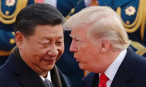 Chủ tịchTập Cận Bình (trái) đón Tổng thống Mỹ Donald Trump thăm Trung Quốc năm 2017. Ảnh: Reuters.