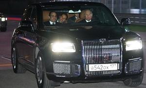 Putin lái xe chở Tổng thống Ai Cập dạo quanh đường đua F1