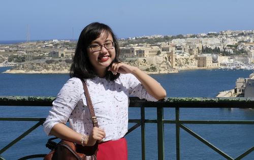 Chị Nguyễn Thị Nguyệt Minh trong chuyến đi tới đảo quốc Malta. Ảnh: NVCC