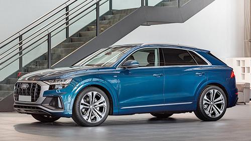 Audi Q8 màu xanh ngọc bích độc đáo. Ảnh: Carscoops.