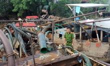 Cảnh sát truy đuổi, bắt cát tặc trên sông Đồng Nai