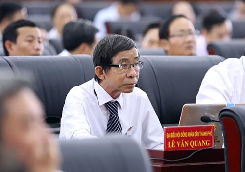 Ông Lê Văn Quang tại kỳ họp HĐNDcuối cùng trên cương vị Phó ban Kinh tế - Ngân sách. Ảnh: Nguyễn Đông.