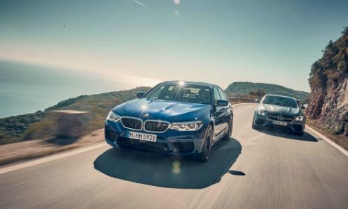 Bộ đôi BMW M5 và Mercedes E63 S AMG tại Đức. Ảnh: Automobilemag.