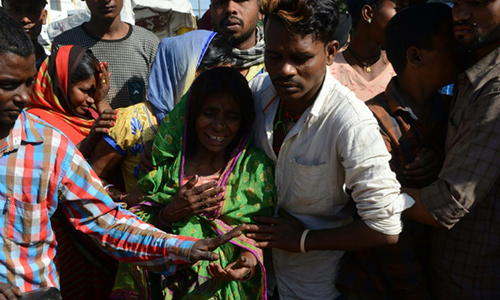 Người Ấn Độ biểu tình sau vụ tàu hỏa lao vào đám đông dự lễ hội