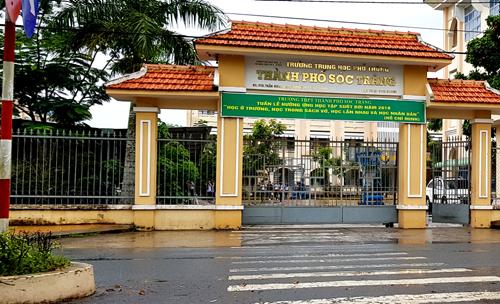 Trường THPT thành phố Sóc Trăng - nơi xảy ra sự việc. Ảnh: Hoàng Hạnh.