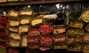Chợ hoa lớn nhất Sài Gòn đìu hiu dịp lễ 20/10