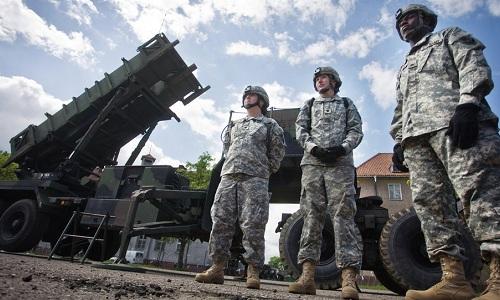 Lá chắn tên lửa Patriot của Mỹ triển khai tại Ba Lan. Ảnh: AFP.