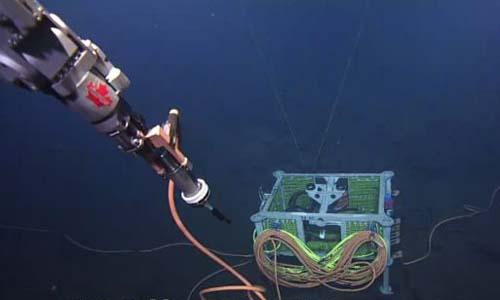 Một trong những thiết bịTrung Quốc đặt trong mạng lưới giám sát của Canada. Ảnh: SCMP.
