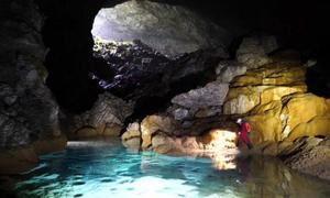 Phát hiện hang động 6,7 triệu m3 trong hố sụt ở Trung Quốc