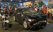 Người đàn bà lái BMW tông gần chục xe máy ở Sài Gòn