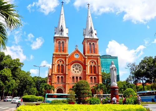 Nhà thờ Đức Bà Sài Gòn - một công trình kiến trúc Pháp tiêu biểu tại TP HCM. Ảnh: Hữu Công